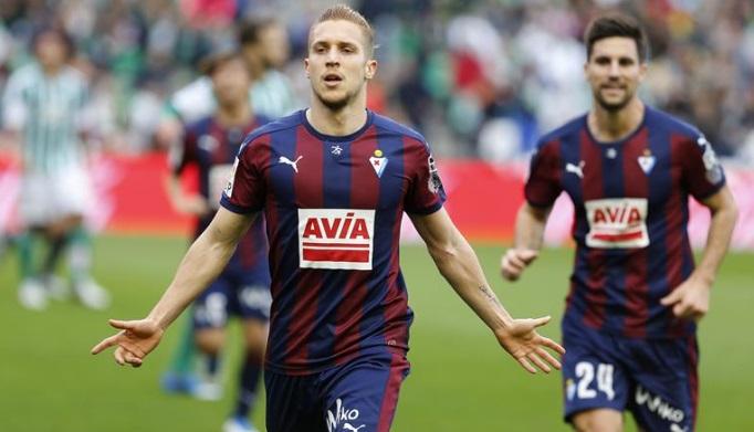 Eibar celebrating a rare goal